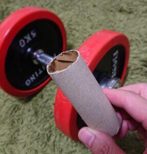 腹筋ローラーの代わりにダンベルを使う方法!工夫すれば代用可能です!