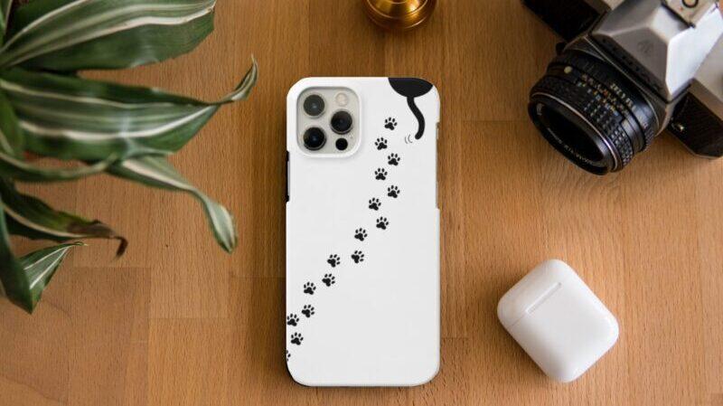 肉球としっぽが超かわいい!猫の足跡がおしゃれなiPhoneケース!