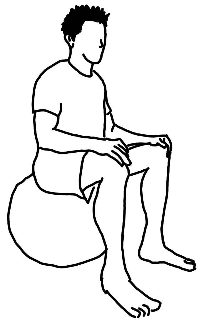 バランスボールに座るだけで体幹を鍛える方法